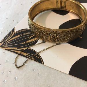 Jewelry - Vintage Floral Print Bracelet